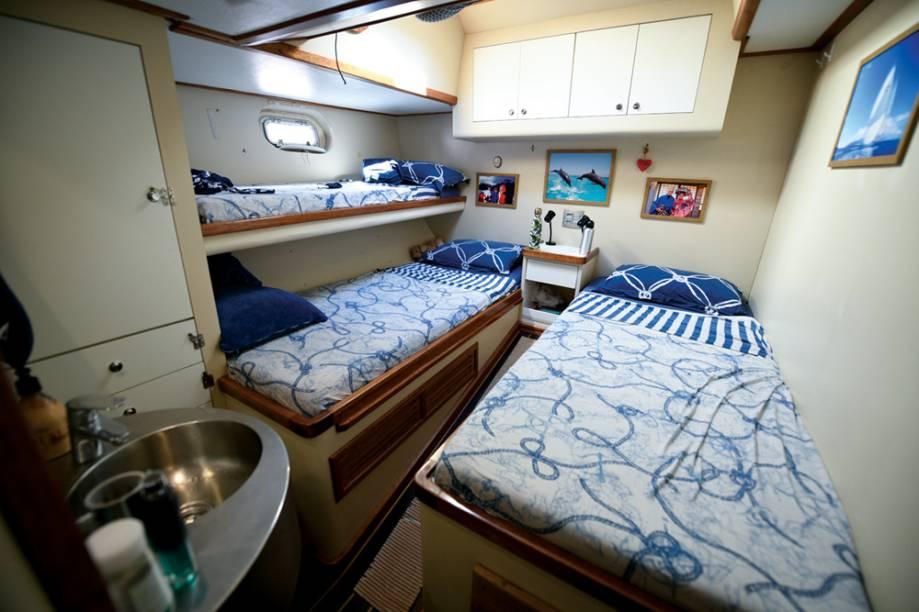 Uma das seis cabines do barco Kat, da família Schurmann