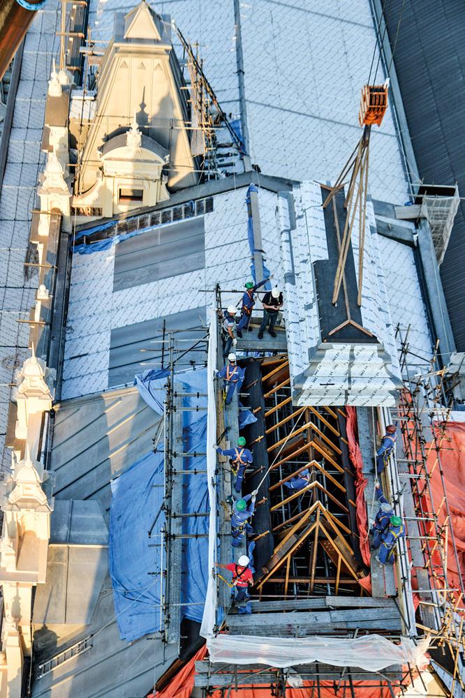 imagem aérea do terraço do museu da língua portuguesa sendo restaurado