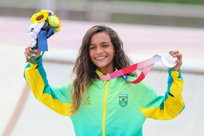 Rayssa Leal: skatista de 13 anos traz prata para o Brasil