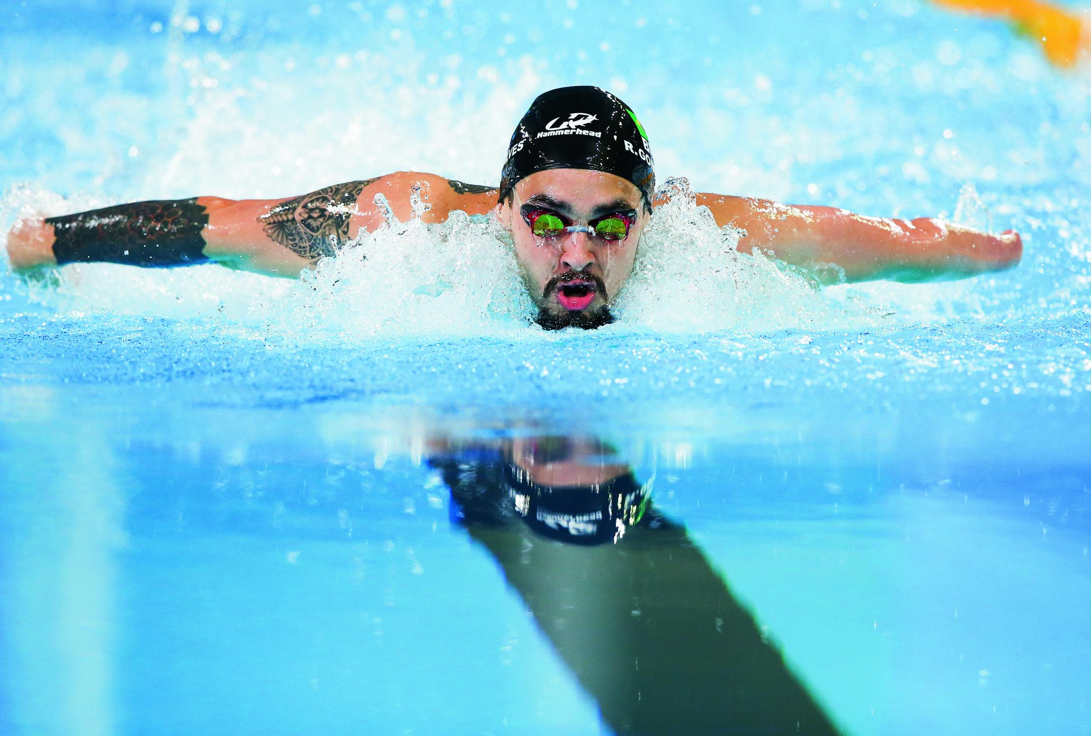 O atleta Ruiter Silva nadando na piscina dos Jogos Panamericanos em 2019