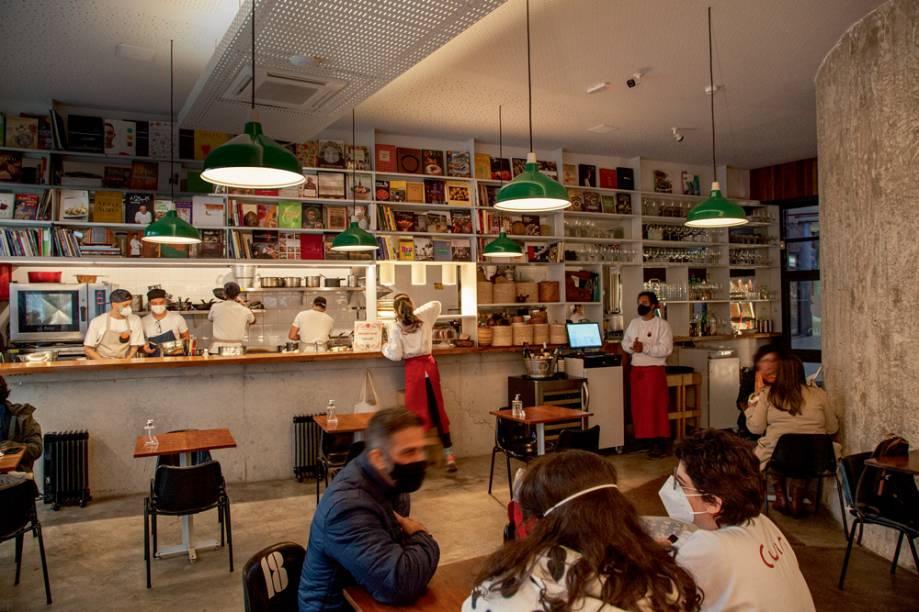 Cuia Café: ambiente no térreo do Copan