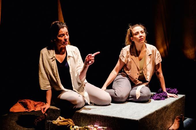 Cascavel – Fernanda Heras (esq) e Carol Cezar Crédito Enrique Espinosa 5.jpg