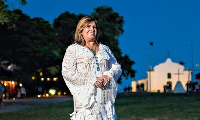 Martha Medeiros (ELLEM CARDOSO)
