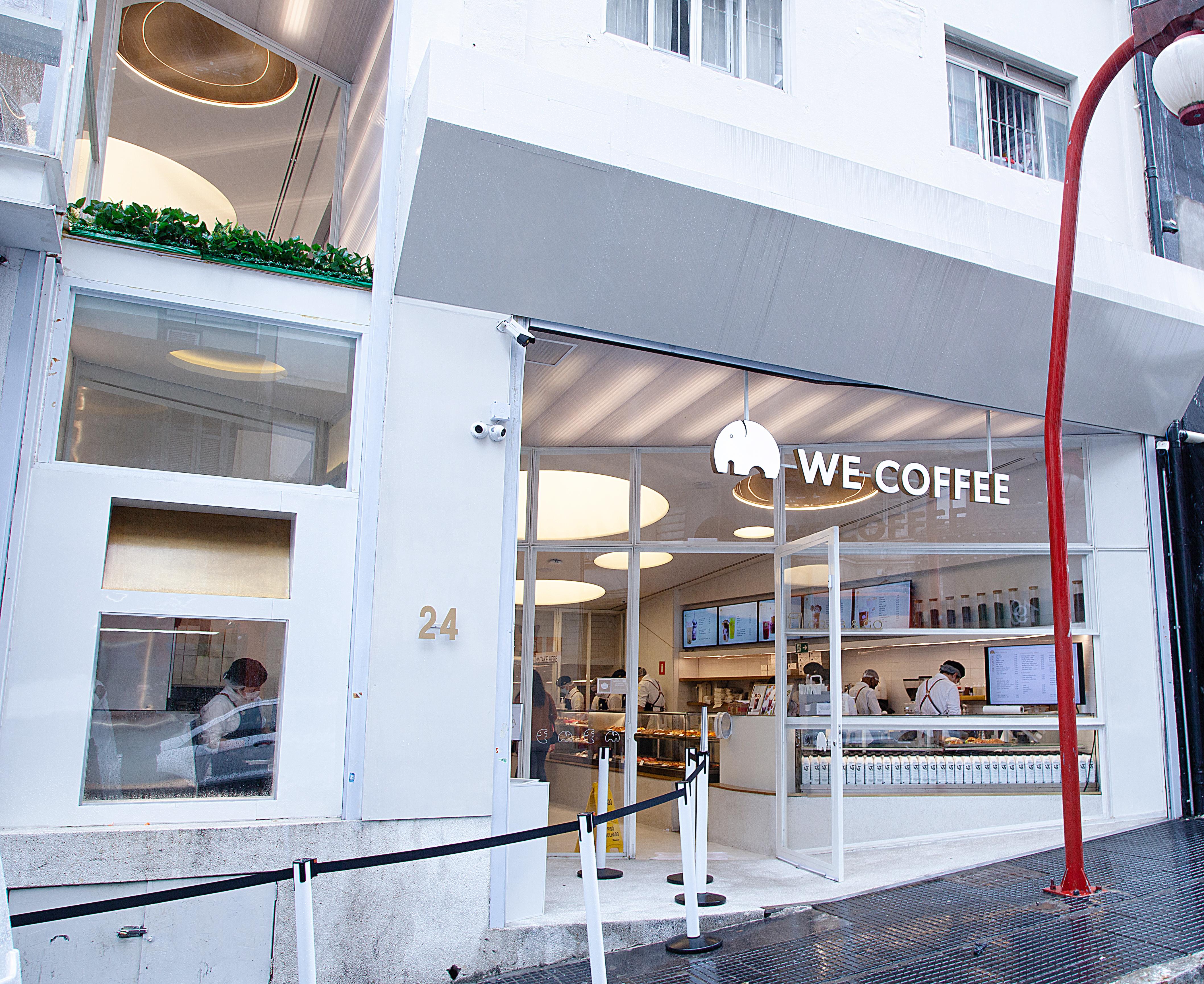 Fachada da cafeteria We Coffee na Rua dos Estudantes.