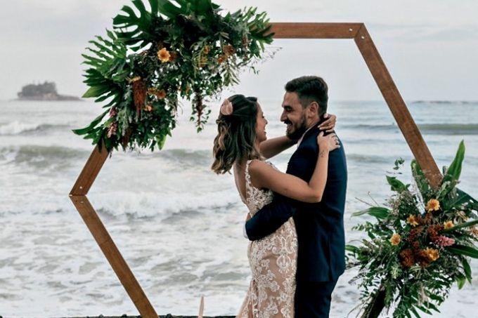 casamento-na-praia-tati-gabriel-casal-viajante-nosso-louco-amor-destaque