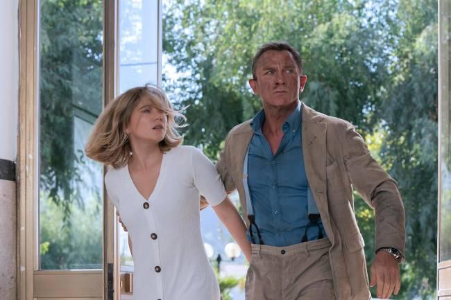 Daniel Craig e Léa Seydoux em cena de 007