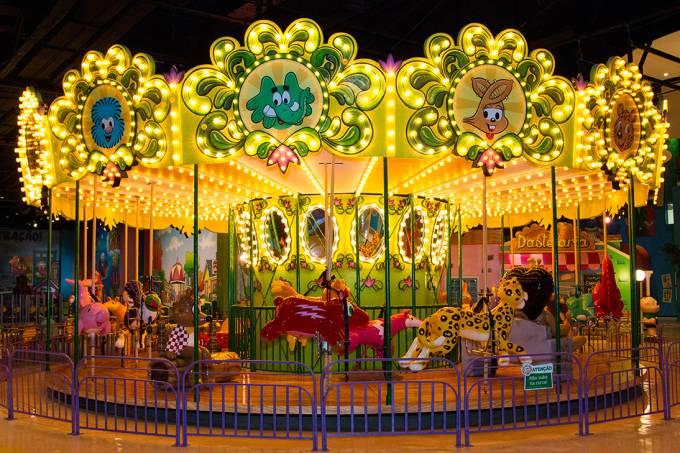 010 – Carrossel parque da mônica