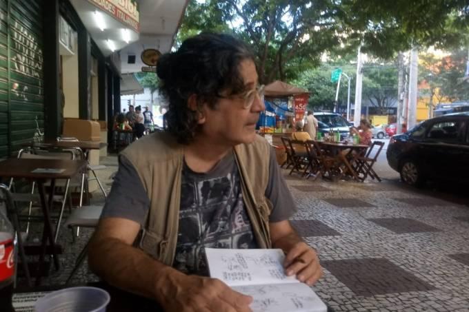 O cartunista Ota, encontrado morto em apartamento