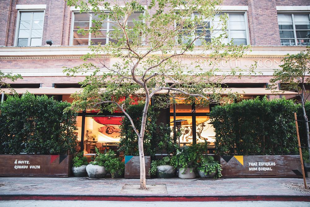 Fachada do Caboco, novo restaurante comandando por Rodrigo Oliveira e Victor Vasconsellos em Los Angeles, nos Estados Unidos