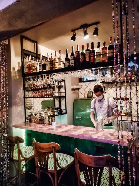 Vermute: o vinho fortificado é a atração principal do bar