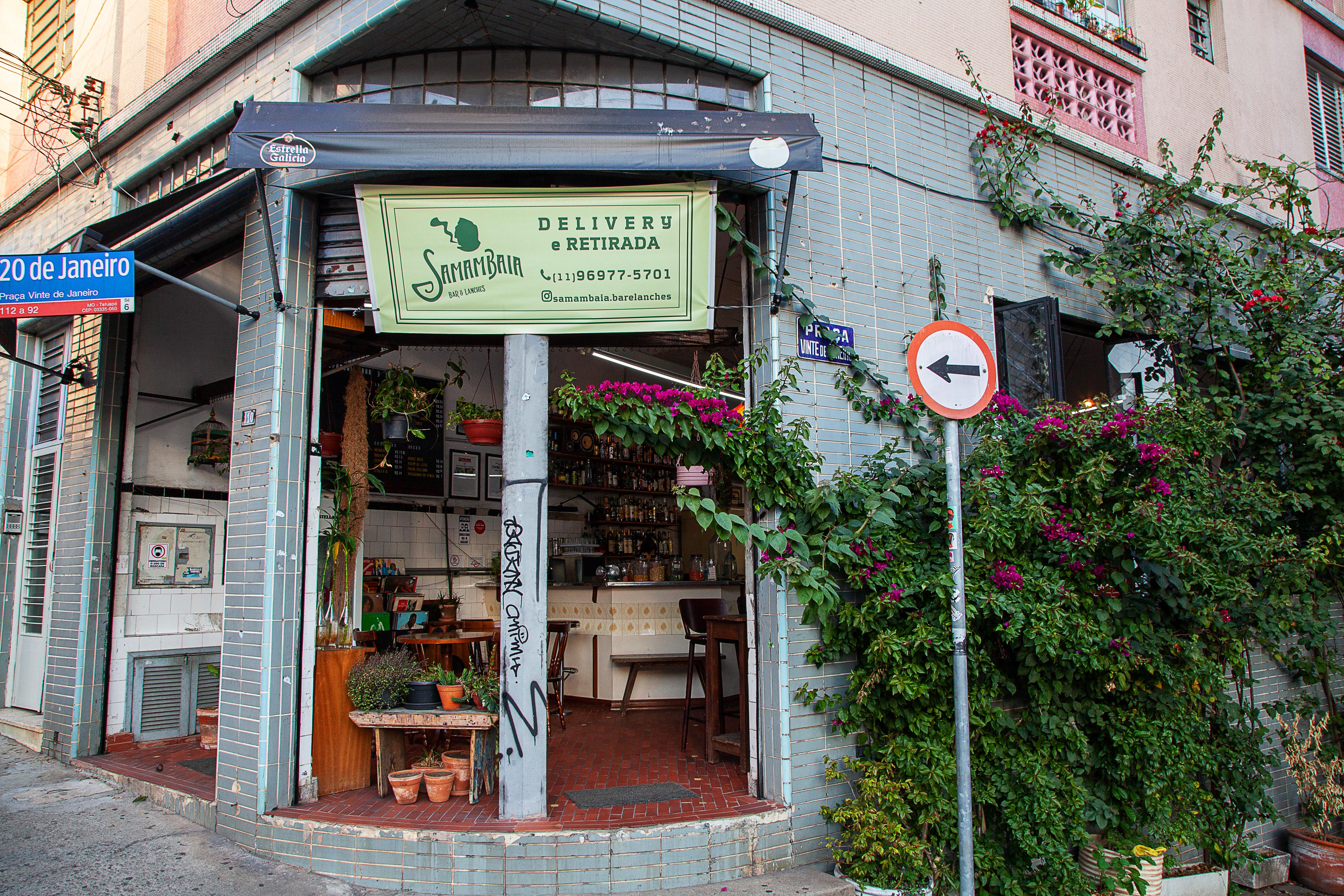 Fachada do Samambaia Bar e Lanhes.
