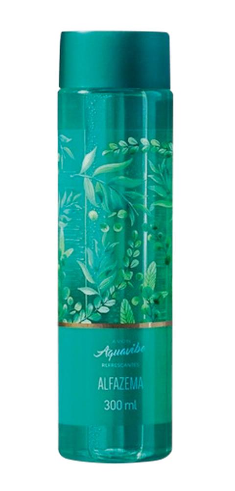 Frasco de perfume verde-água claro com alguns detalhes de plantas em outras tonalidades de verde