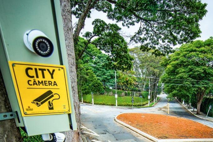 câmera-destaque-fracasso-projeto-city-câmeras-baixa-adesão-público-prefeitura-promete-repaginação