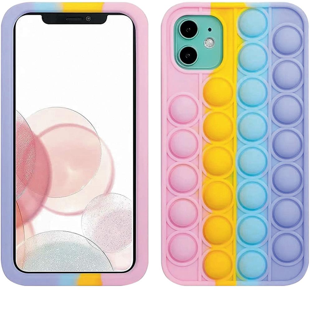 Um celular iPhone de frente em uma tela branca e, ao lado, o celular de trás com capinha colorida fidget toy com bolhas de apertar