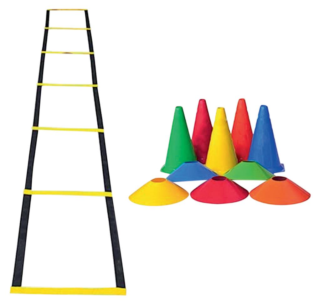 Uma escada de treino amarela, cinco cones e cinco chapéus de treino coloridos