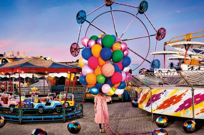 Amparo-Parque-de-Diversão-exposição-balões-flávia-junqueira