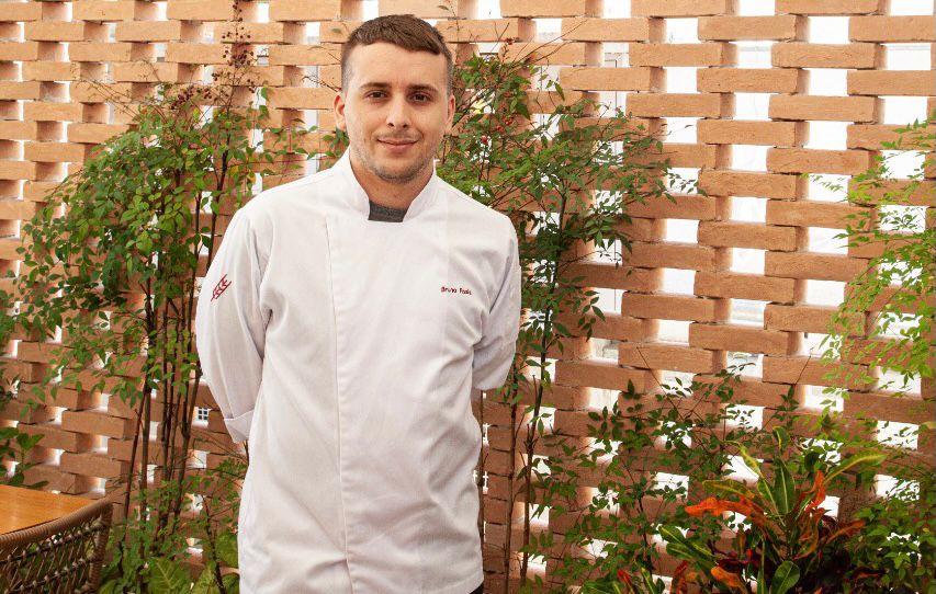 Bruno Assis: chef à frente da cozinha