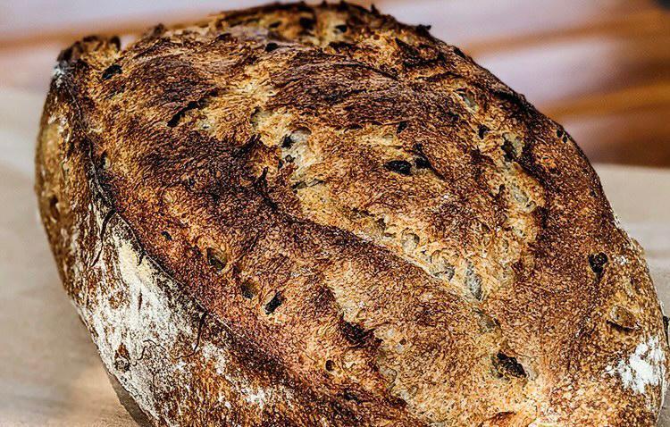 Pão de azeitona: uma das ótimas opções de fermentação natural
